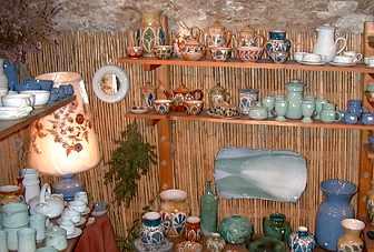 le potier madame et monsieur descombes a flayosc var provence france. Black Bedroom Furniture Sets. Home Design Ideas
